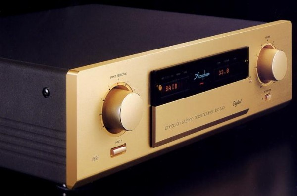 Pre ampli Accuphase DC-330