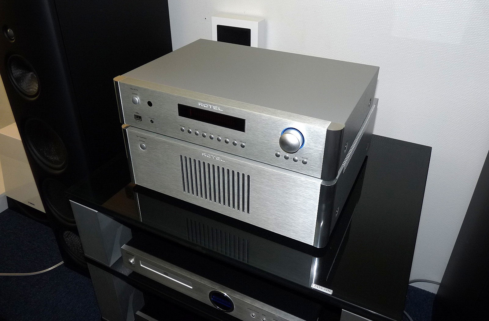 Power ampli Rotel RB-1582 MkII chat